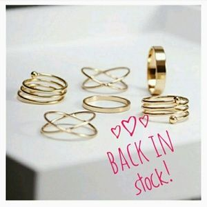 Jewelry - 💖2/$15 sale💖 6 pc Ring Set midi Rings  gold